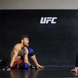 Bauerfeind UFC Mcgregor knästöd sportsrehab